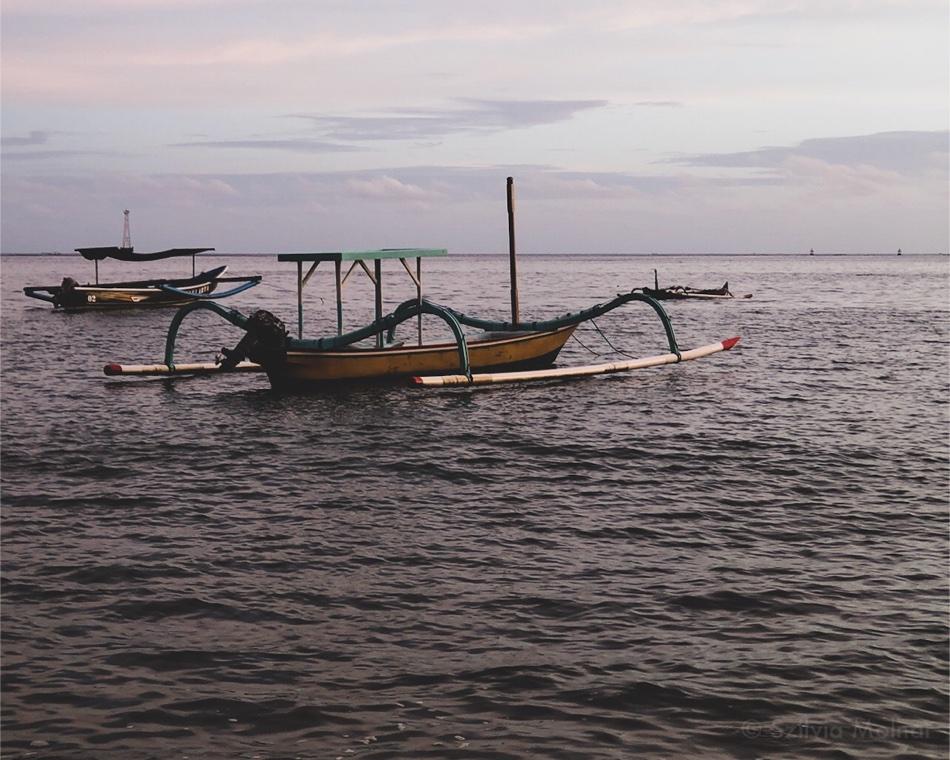 Halászcsónakok Sanur Beach-en