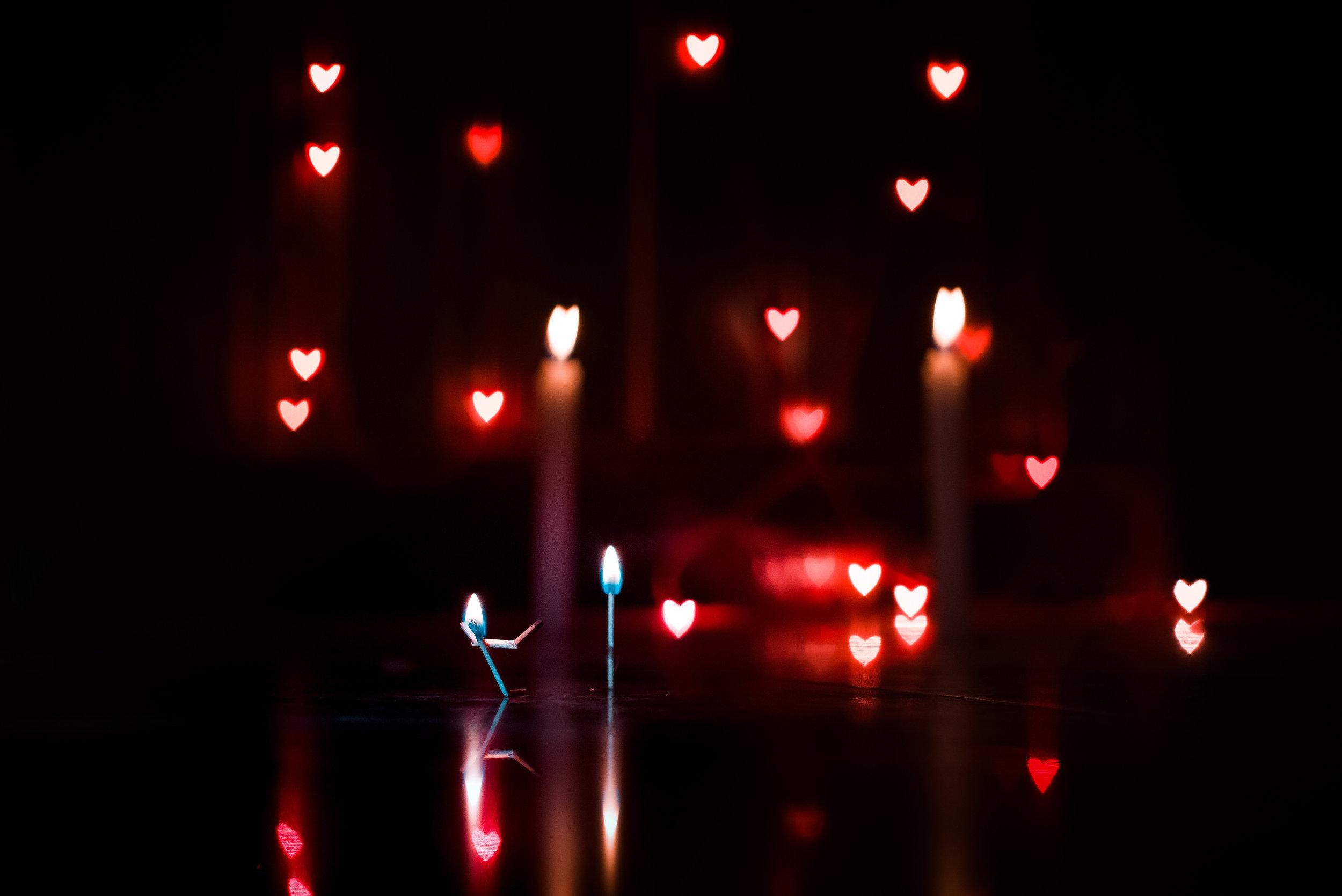 El Amor vence y supera los miedos, el Amor no caduca, se entrega sin límites y nos hace más felices. -