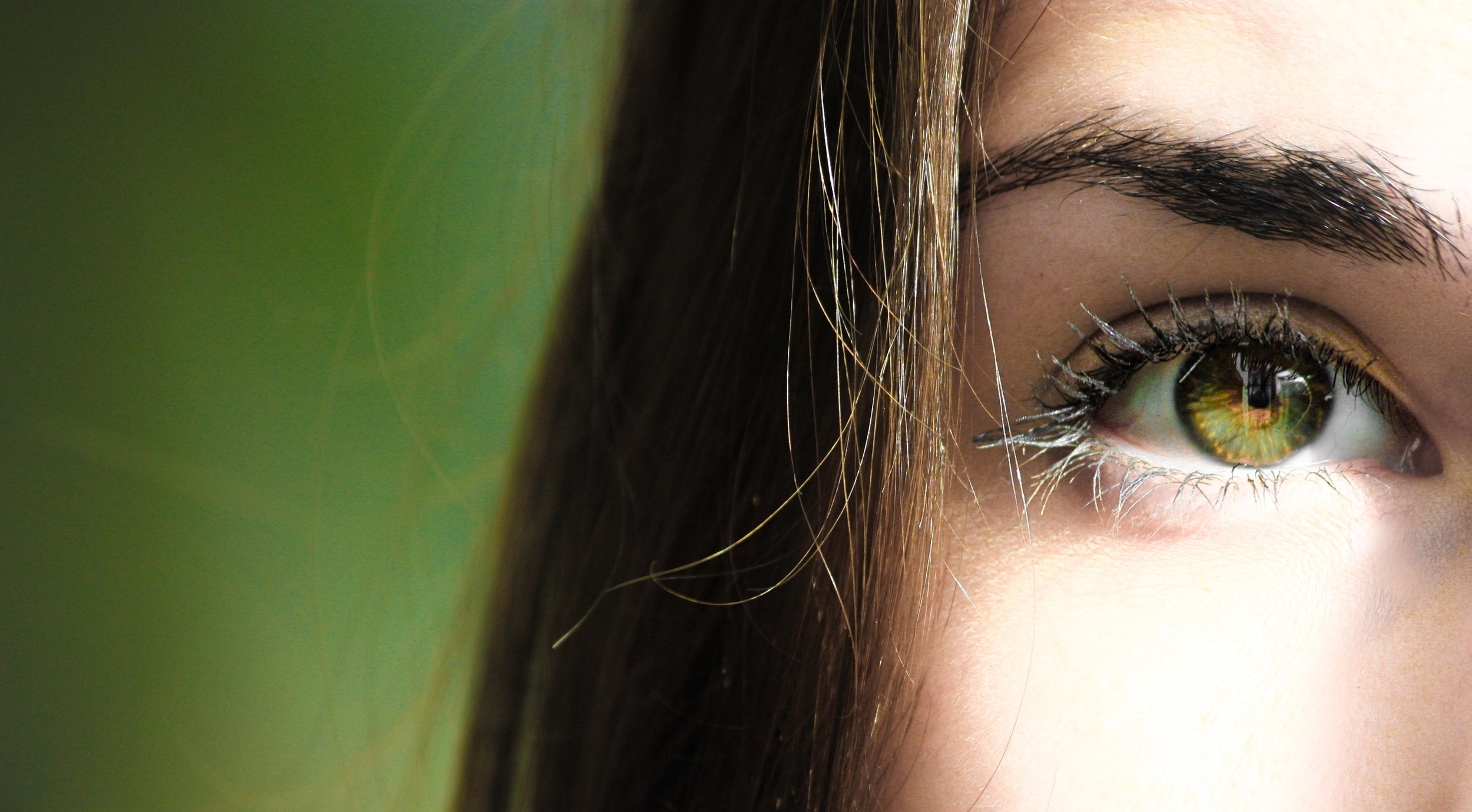 close-up-eye-eye-lashes-840810.jpg