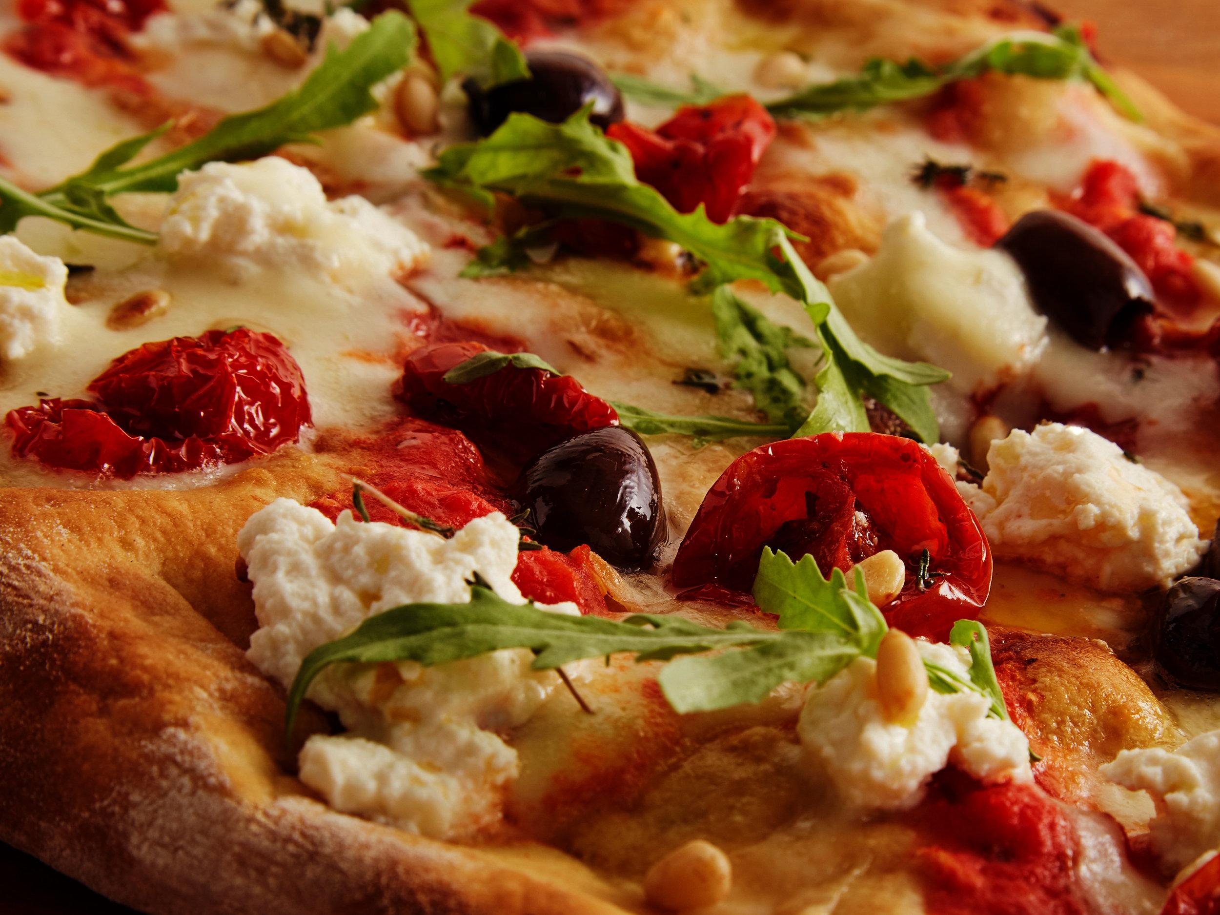 Dino's_pizza.JPG