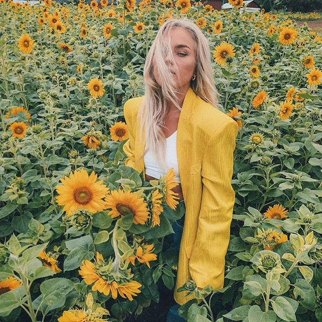 Our love @angelicablick is blooming in @asos as always 🌻🌾