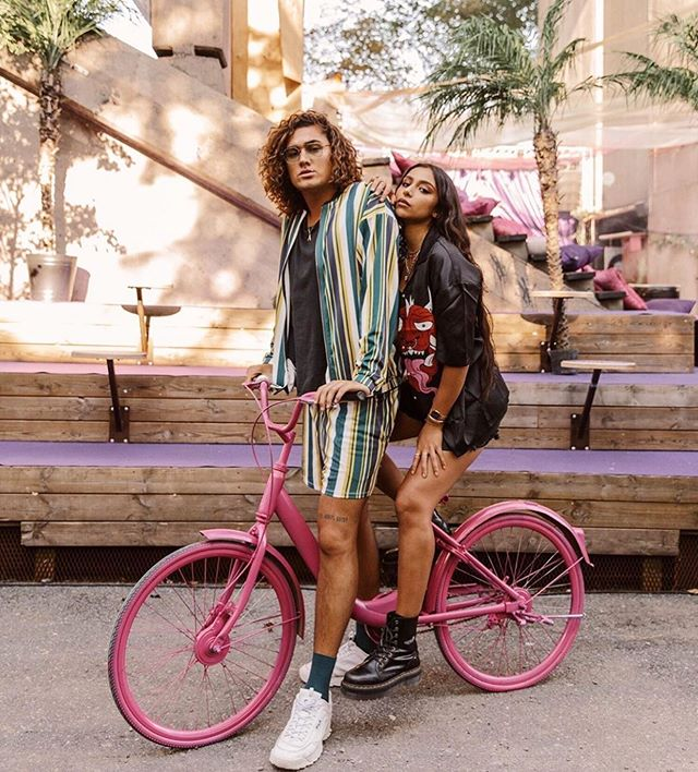 No one sports a bicycle like @emilioaaraya and @sofiahoss in @asos 💚🚲