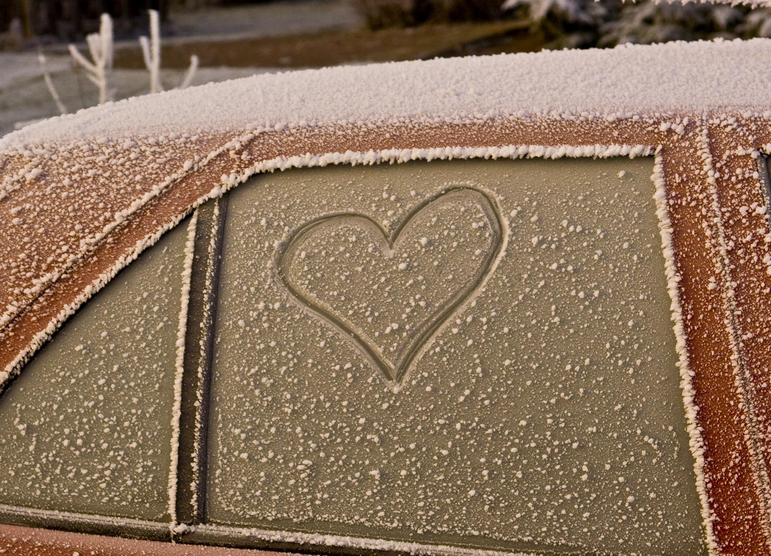 heart on frosty car.jpg