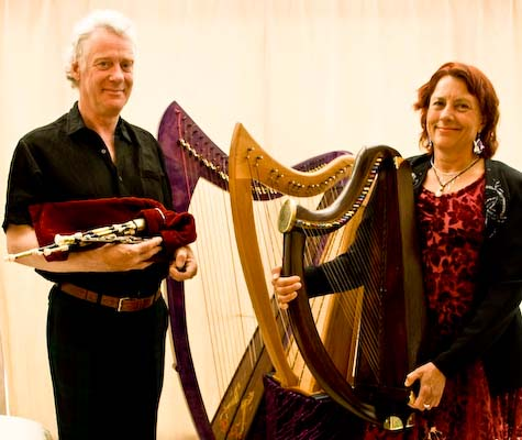 Gordon Mooney an Nancy Lyon: Scottish small pipes, border pipes, whistles, wire-strung, cross-strung and Celtic harps.