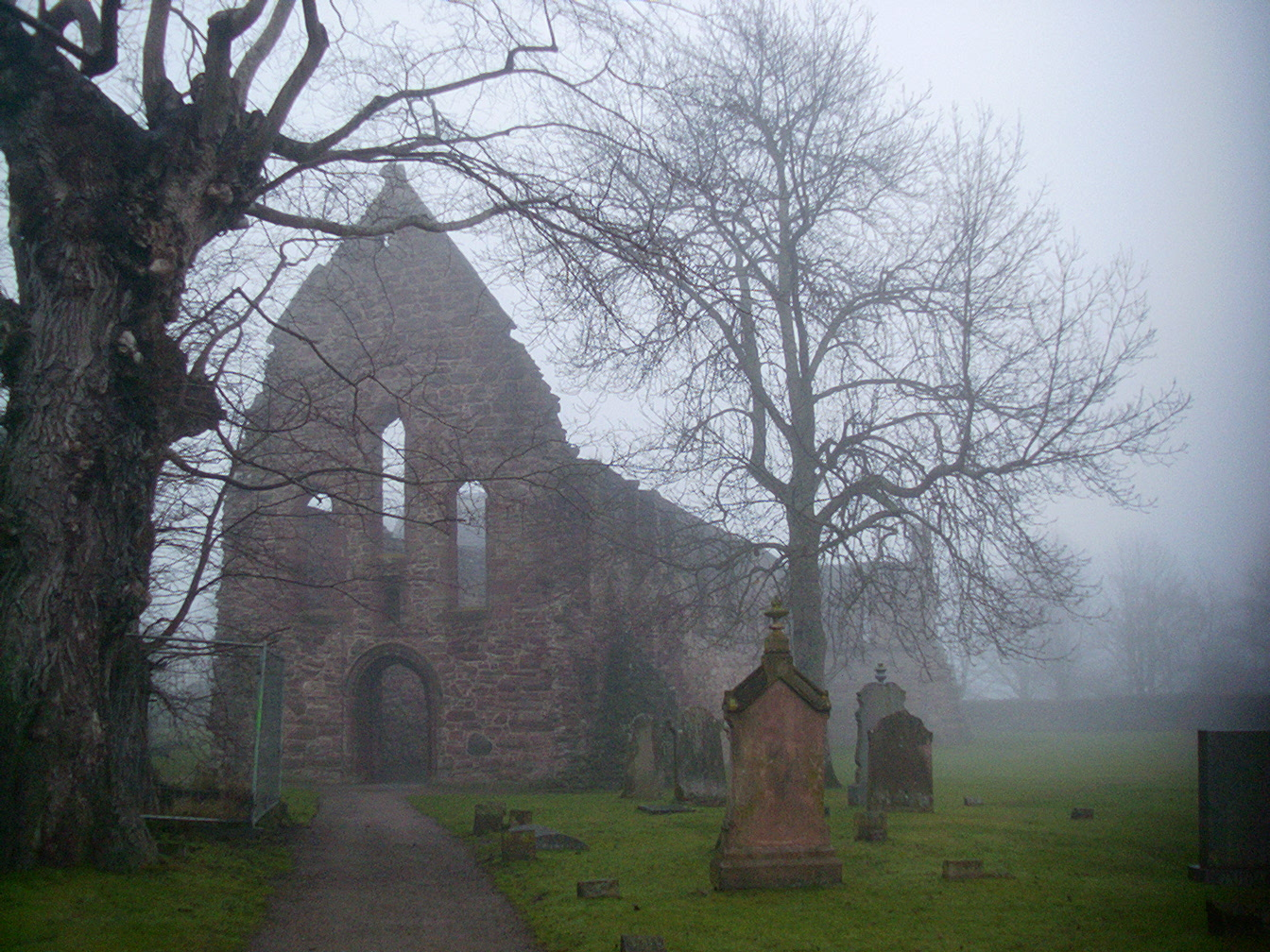 Beauly priory.JPG