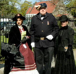 MARK TWAIN FUNERAL RE-ENACTMENT MOURNERS