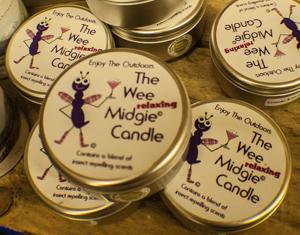 wee midgie candle.jpg