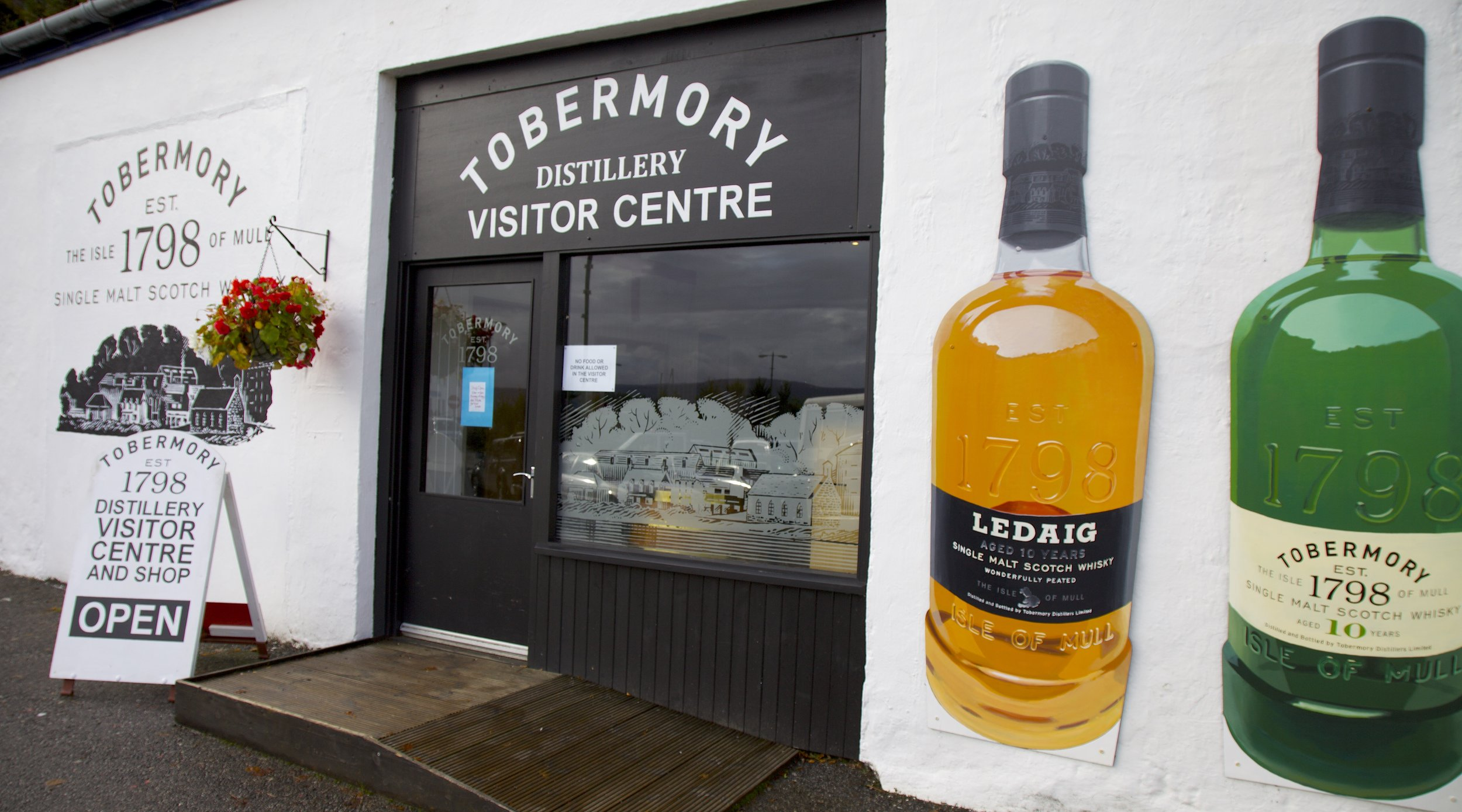 Tobermory Whisky visitors centre.jpg