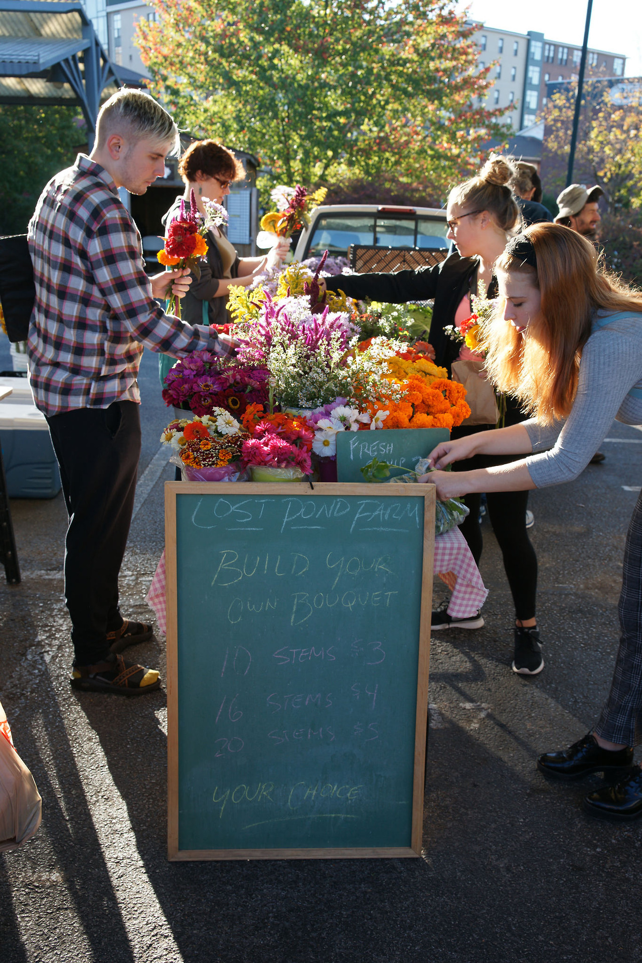 Build Your Own Bouquet at the Bloomington, Indiana Farmers' Market, Fall 2017.