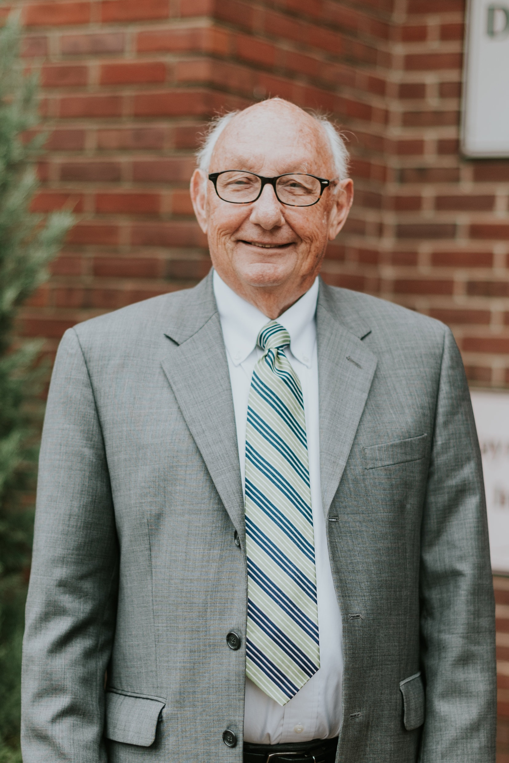 Dr. Albin C. Whitworth - Minister of Music and Worship/OrganistAlbin holds a B.A. and the Doctor of Church Music from Asbury University, M.Ed. and Ed.S. from University of Louisville. He joined the Deer Park staff in 2013.