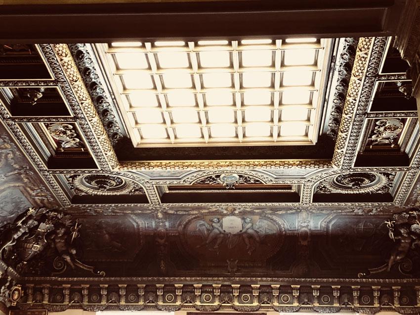 tribunal de commerce de paris 18 la-tete-en-lair.net.jpg