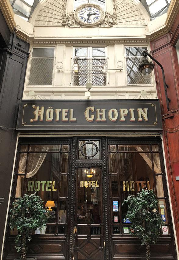 passage jouffroy 2 hotel chopin.jpg
