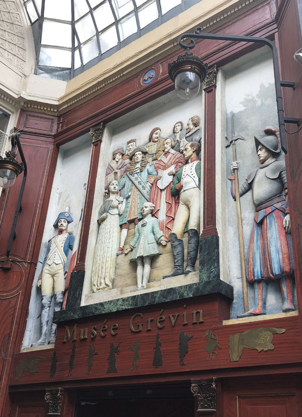 passage jouffroy 11 musee grevin.jpg