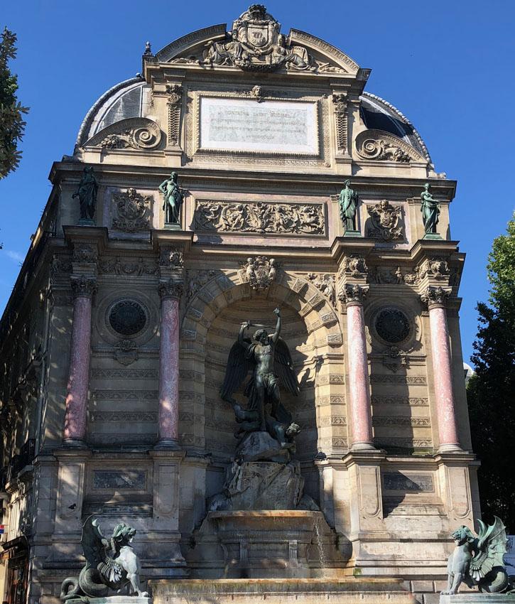 fontaine saint michel 1 la-tete-en-lair.net.jpg