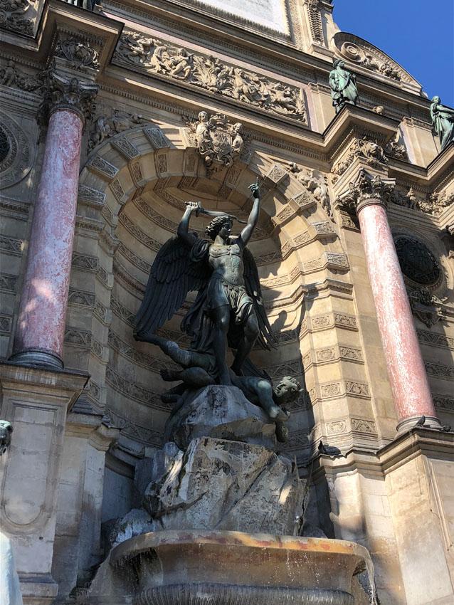 fontaine saint michel 5 la-tete-en-lair.net.jpg