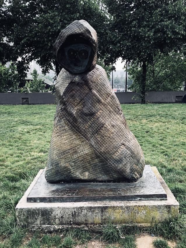 statues les enfants du monde rachid khimoune 20 la-tete-en-lair.net.jpg
