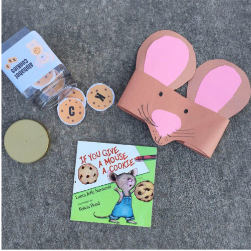 2. Give a mouse a... headband : Help your young readers develop their fine motor skills by making this cute mouse headband! And, of course, don't forget the little mouse cookies.