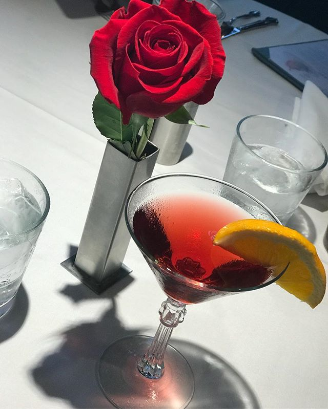 Bon Appetit! Red roses and a pomegranate martini!  And  escargot 🐌  and grouper 🐠 ... love seafood!  #interiordesignertravels #dunedin #family #pomegranate