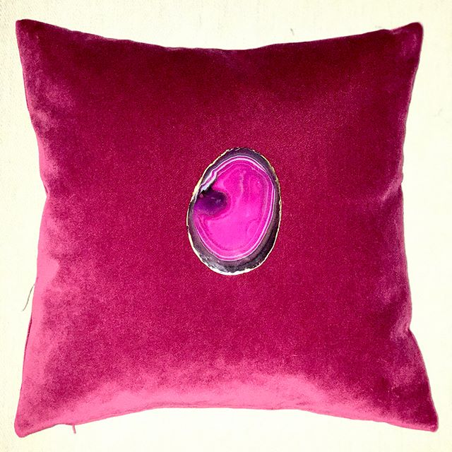 Inspired by all the lovely geodes at HAN shop on Park Avenue, I finally decided to open an Etsy shop with my velvet and raw silk geode pillows! Luxury feather/fiber inserts.Swipe left for fabric options! Etsy: Paulineluxurypillows  In stock & special order available!  #bohostyle #etsyshop #paulineluxurypillows #interiordecorator #interiordesign #custompillows #geode #velvet #fuschia #rawsilk #jeweltones @handesign_308 #velvetpillows #geodepillow