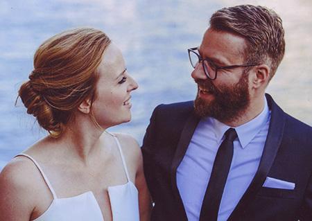Liebe Eva,   besser spät als nie und sehr von Herzen, sage ich Danke für Deine Betreuung, Deine ruhige, entspannte Art und nicht zuletzt für den wunderbaren Hochzeitslook den Du mir verpasst hast! Du hast mir bereits bei unserem Probetermin ein gutes Gefühl gegeben und das war toll. Alles hat super gehalten, ich fand mich schön - und Frank auch.   Lieben Gruß, Katrin