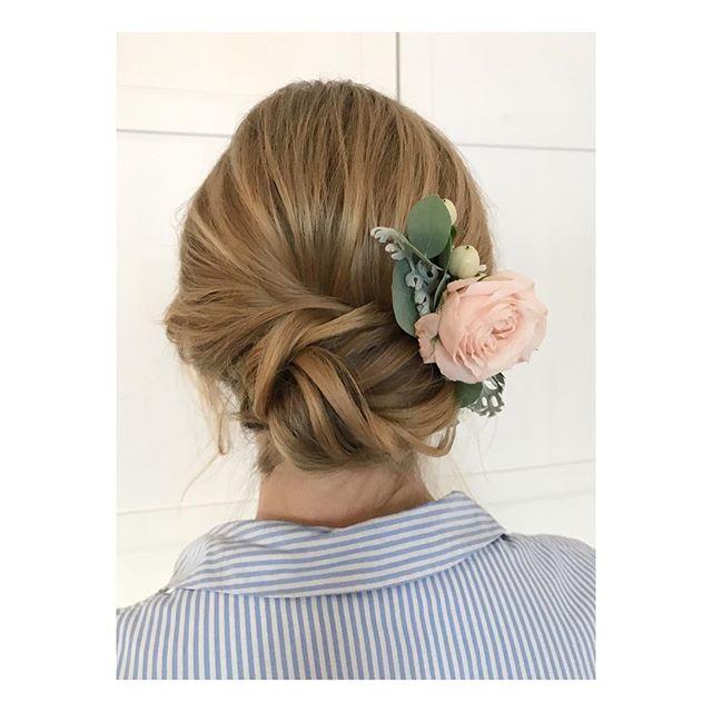 #bridal#hairstyle 🌸 #bridalhair#bridalhairstyle#weddinghair#weddinghairstyles#updos#bridalupdo#theknot#bridalinspo#bridalstyling#brautfrisur#hochsteckfrisur#hairgoals#hairofinstagram#hairoftheday#instabeauty#instahair#brautstyling#berlin#makeupartist#hairstylist#mua#beautifulbrideberlin
