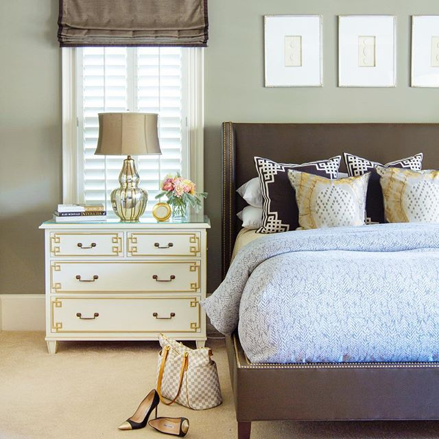 We love Spring, everything is fresh and new!  We have rounded up our Spring Design Trends today on the blog - link in bio☝🏻- and speaking of newness, this master bedroom we designed for blogger @bluegraygal is staying put, but check out the rest of her major home renovation and follow along on her IG for progress!  She's really creating something special and we are so excited!!! 📷 @jessiepreza . . . . #interiordesign #homerenovation #luxuryhomes #springdesign #springinteriordesign #aliciaweaverdesign #fortlauderdaleinteriordesign #southfloridainteriordesign #atlantainteriordesign #mixingpatterns #patternmixing #darkaccents #masterbedroom #verytandc