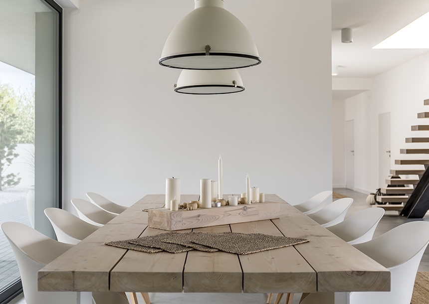 There was a time when pairing things like modern chairs a rustic farm table just wasn't done...