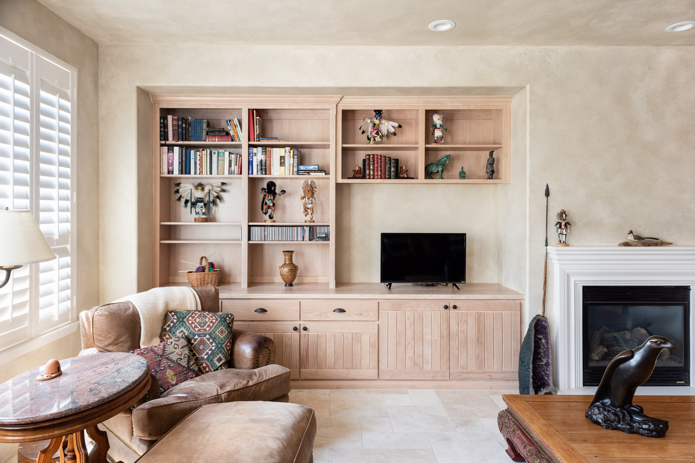 Simple Southwestern Kitchen Living