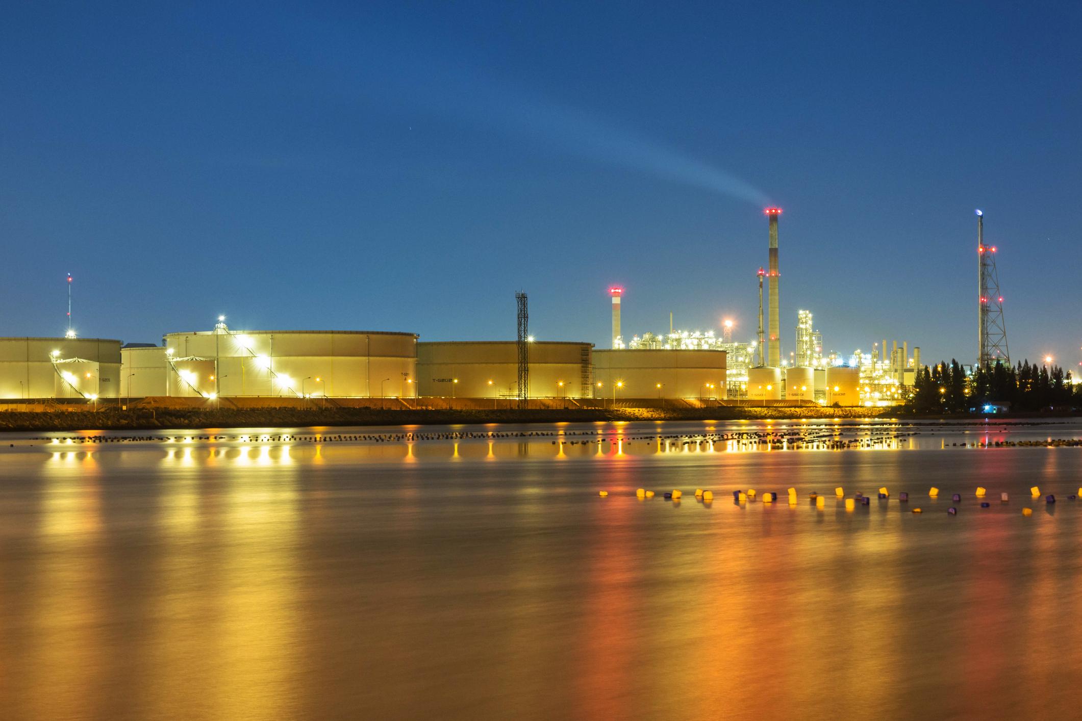 refinery 10.jpg