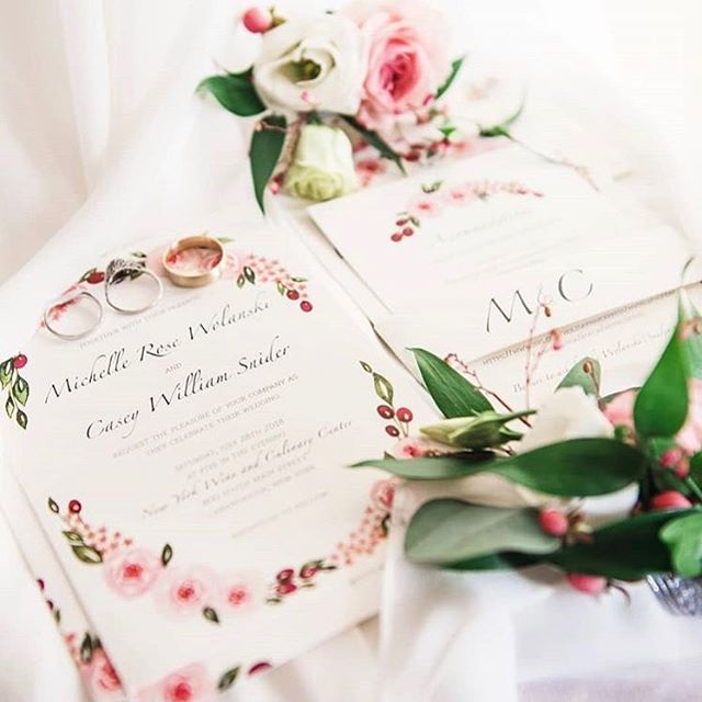 I had to share this beautiful photo that @jill_studio took of the invitations I designed for @michelle2465. Absolutely stunning! 😍💖