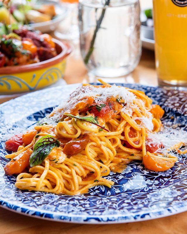 Picture perfect pasta 📸 🍝 . . . . . #toronto #TO #torontorestaurants #TOfoodie #torontofoodies #foodtoronto #thesix #416 #torontoeats #TOeats #647 #TOfood #cravethe6ix #tastethesix #ieatTO  #yumtoronto #tastetoronto #feedmetoronto #lunchTO #ago #blogTO #pasta #lunch #handmadepasta #pastaTO #downtowntoronto #TO_finest #provofoodbar