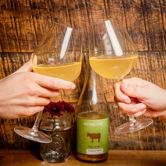 Cheers to the weekend 🥂 . . . . . #wine #wineTO #naturalwine #prosecco #sparklingwine #647 #italianwine #cava #bubbles #cheers #provofoodbar #toronto #TO #416 #wineTO #pinotgrigio #vino #sauvignonblanc #chardonnay #chablis #viognier #cava #rosé #champagne #pinotnoir #chianti #malbec #petnat #AGO