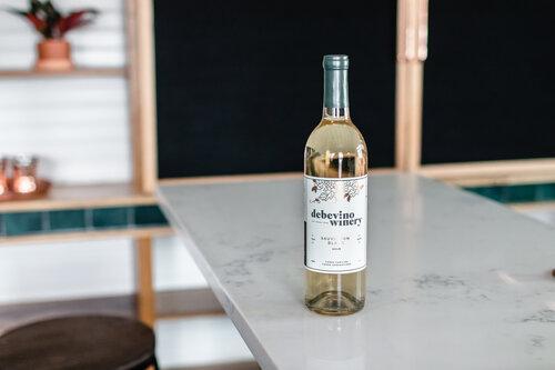 debevino-winery-walpole-white-wine.jpg