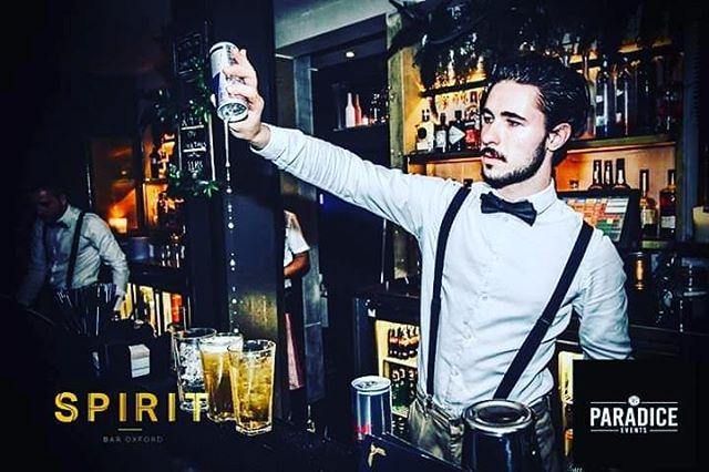 Get Ready for the weekend, we make the best vodka Redbull!! 😍 😜 . . . #SpiritBarOxford #SaturdayNightVibes #nightfever #weekendvibes #friends #cocktails #lovedrinking