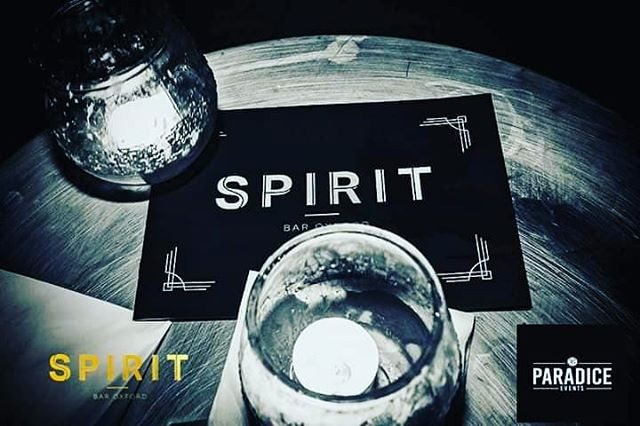 😍It's finally the weekend, so why not try out our cocktail menu... 🥃 . . . #SpiritBarOxford #fridayfeeling #happyhour #cocktails #lovedrinking #GinServes #Friends