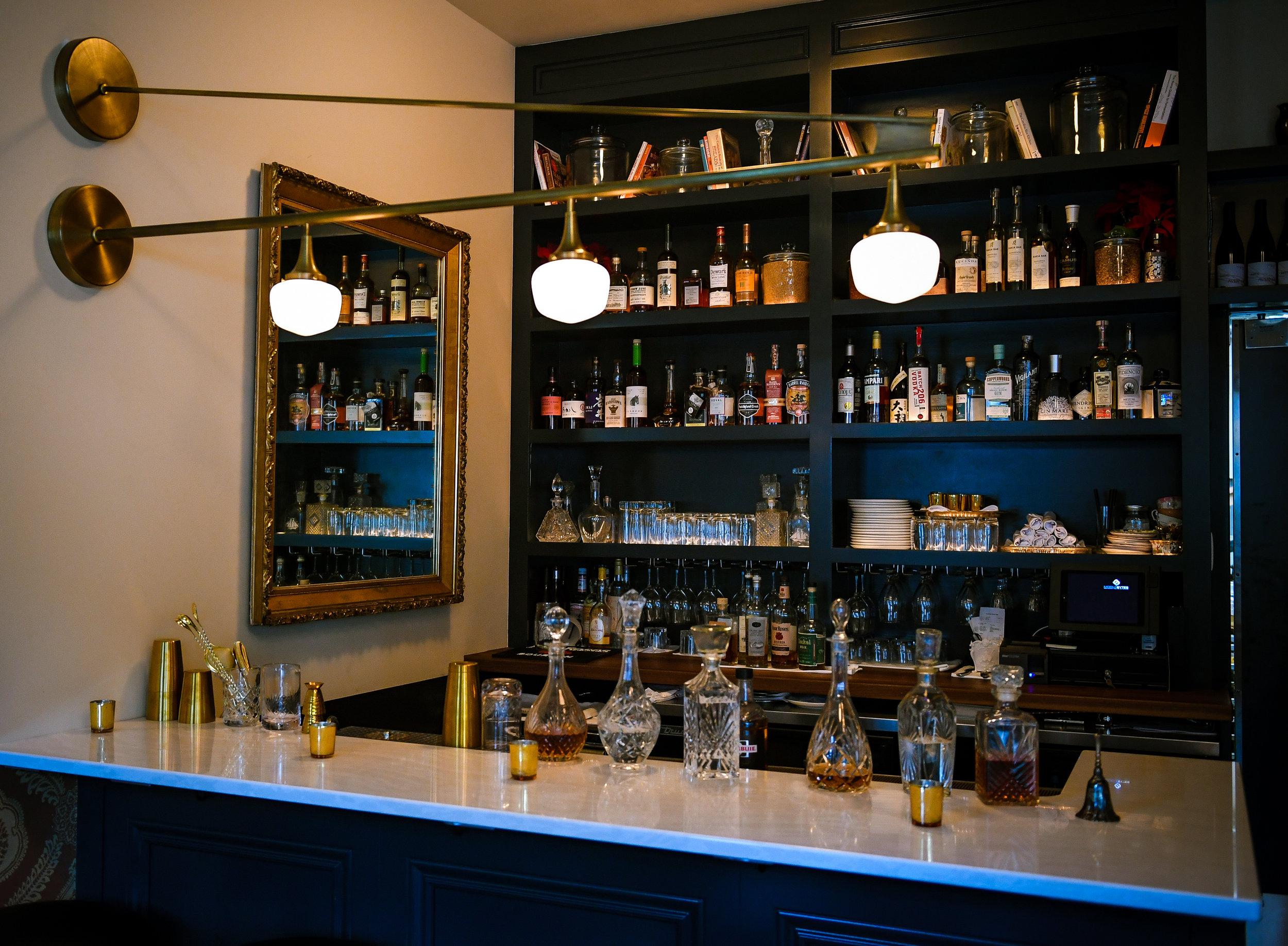 Lucinda bar