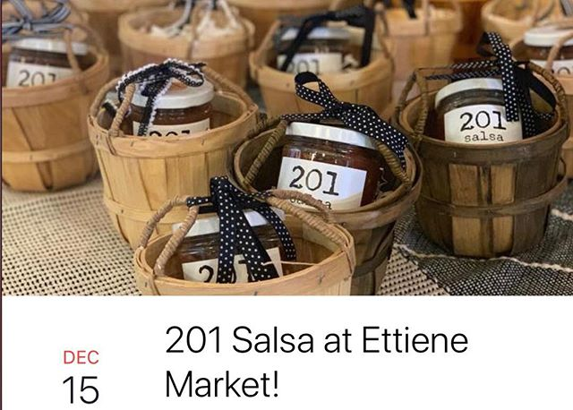 Stop by our pop up shop outside of Ettiene Market today! We'll be sampling and selling our award-winning salsa. Our salsa and gift baskets make awesome holiday gifts!  We'll be there from 2-4. 🎅🏻🤶🏻🎄