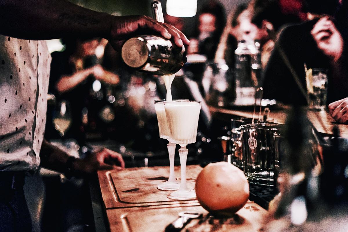 BAR & CLUB_  DIE TAUBE.  #Ausgiesser #Cocktails #HipDrinks #OldCity #Taube   https://www.dietaube.ch