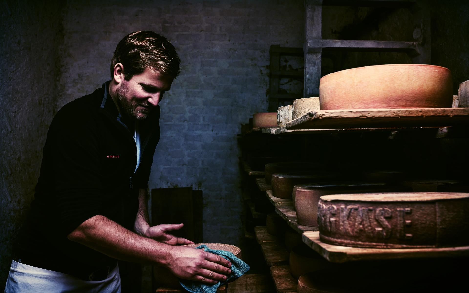 SHOP_  CHÄSHÜTTE..  #Cheese #Tradition #Regional #Bern #Fondue    http://www.chaeshuette-bern.ch