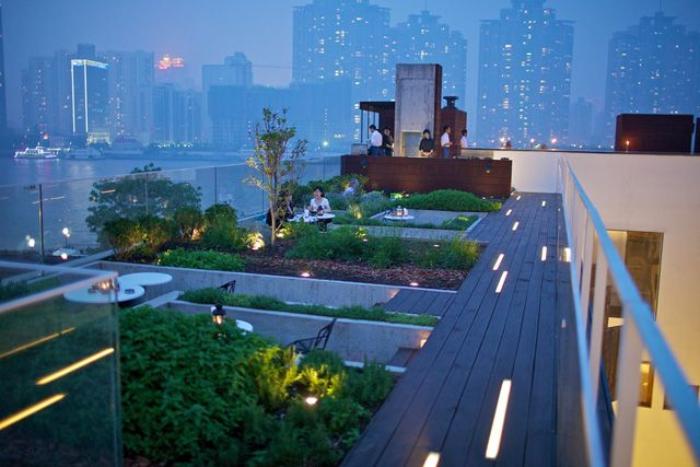 BAR & CLUB_  THE ROOF @ WATERHOUSE.  #Bar #Rooftop #UrbanGardening #View  https://www.waterhouseshanghai.com/food-and-drink/the-roof-at-waterhouse-1