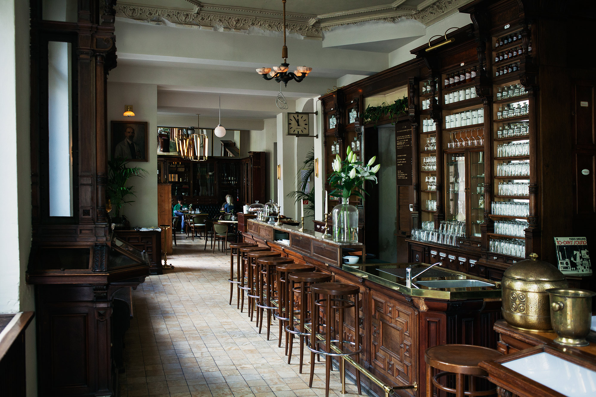 BAR & CLUB_  ORA.  #Apotheke #Bar #Kreuzberg #Ora   http://ora-berlin.de