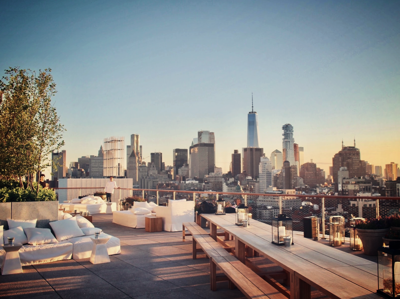BAR & CLUB_  PUBLIC ROOFTOP.  #Rooftop #View #IanSchrager #Hipster   https://www.publichotels.com/eat-and-drink/the-roof