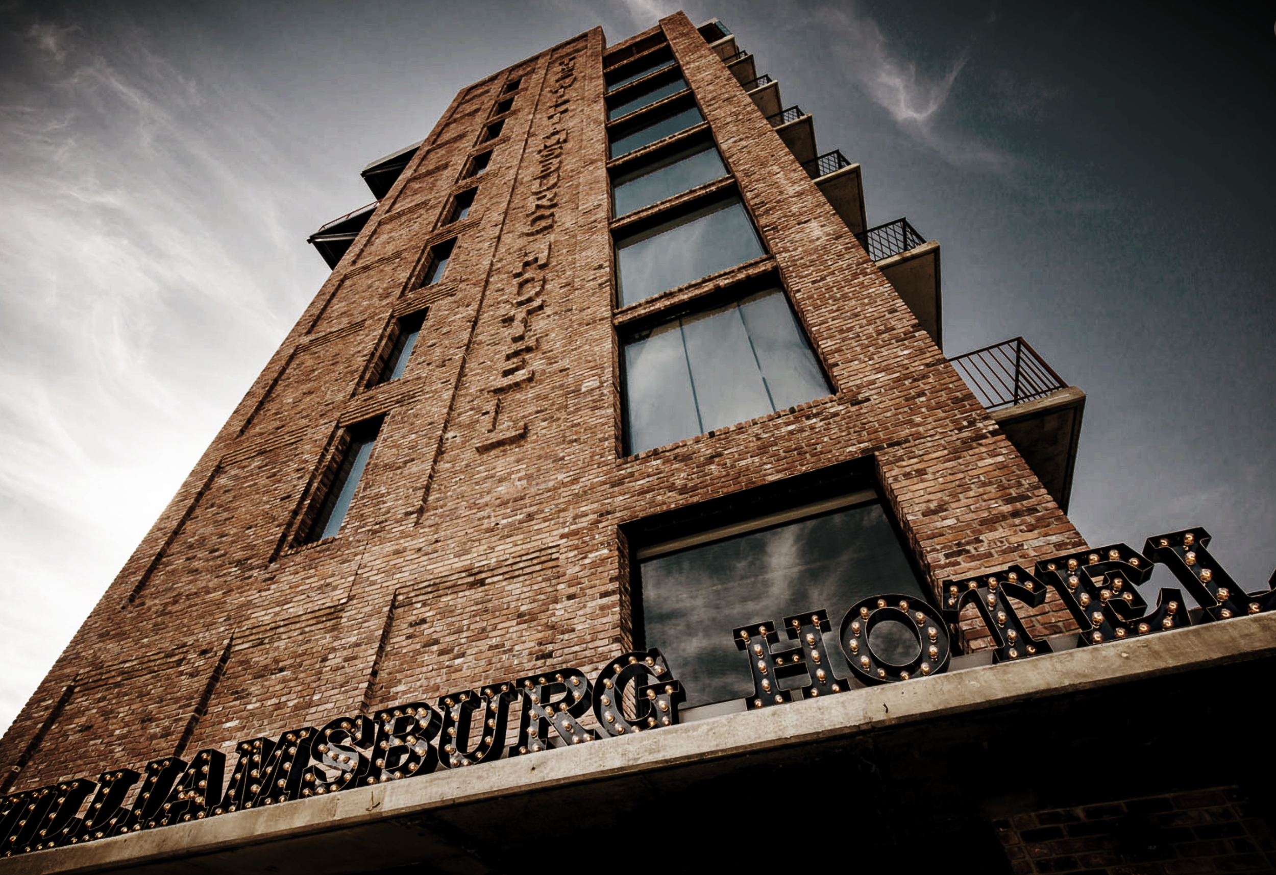 EAT & DRINK_  WILLAMSBURG.  #Brooklyn #RetroStyle #Hipster #Foodie   https://www.thewilliamsburghotel.com