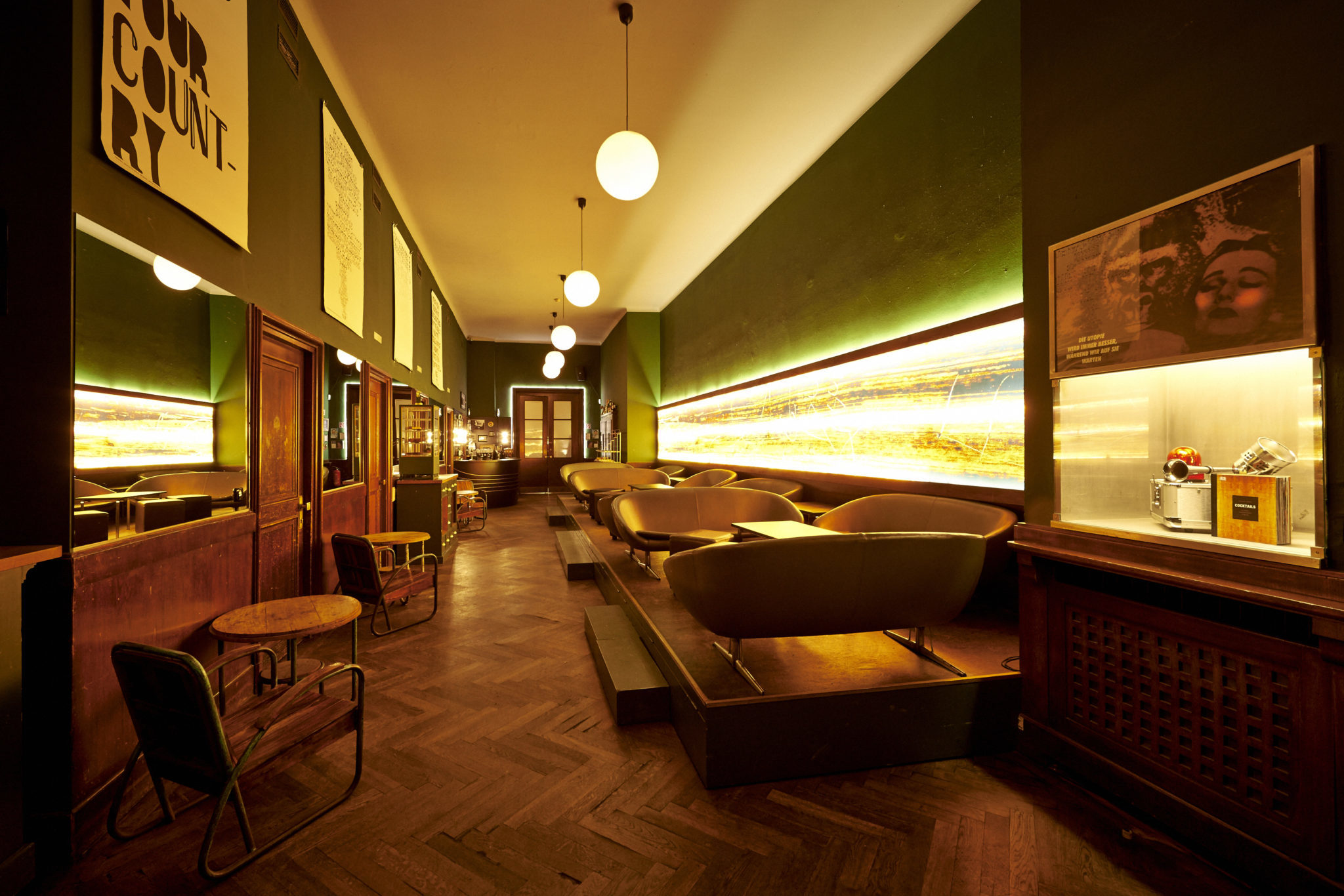 BAR & CLUB_  DIE GOLDENE BAR.  #Bar #Style #FineDesign   http://www.goldenebar.de