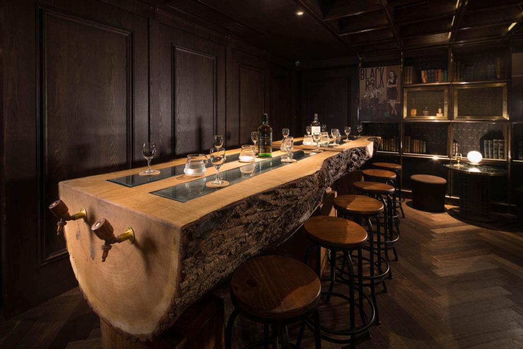 BAR & CLUB_  FRANK'S LIBRARY.  #Gentleman #OldFashioned #Interiors   http://mingfathouse.com/restaurants/franks-library/