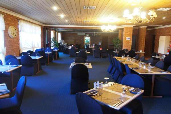 8 Restaurant.JPG