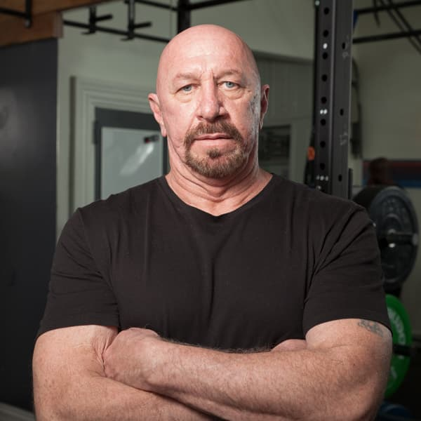 Larry Smith - Hailing from Detroit, with 35 years experience as a trainer and extensive professional work in the field of psychology, sessions with Larry are not to be missed. As far as life and fitness training are concerned, Larry has seen it and done it all.