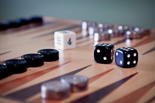 backgammon-3084639_1920.jpg