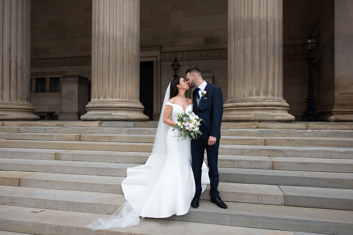 wedding_first kiss_st georges hall