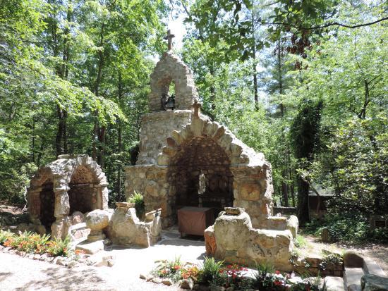 shrine-mont-retreat-and_orig.jpg